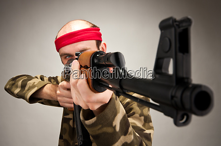 aiming funny soldier