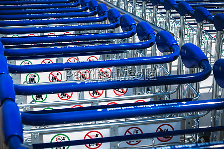 carry cart outside faro international airport