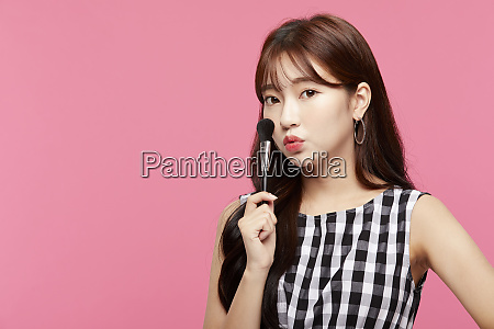 women beauty series makeup
