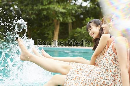womens journey poolside