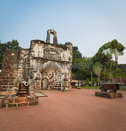 surviving gate of the a famosa
