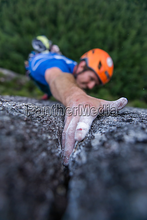 trad climbing stawamus chief squamish british