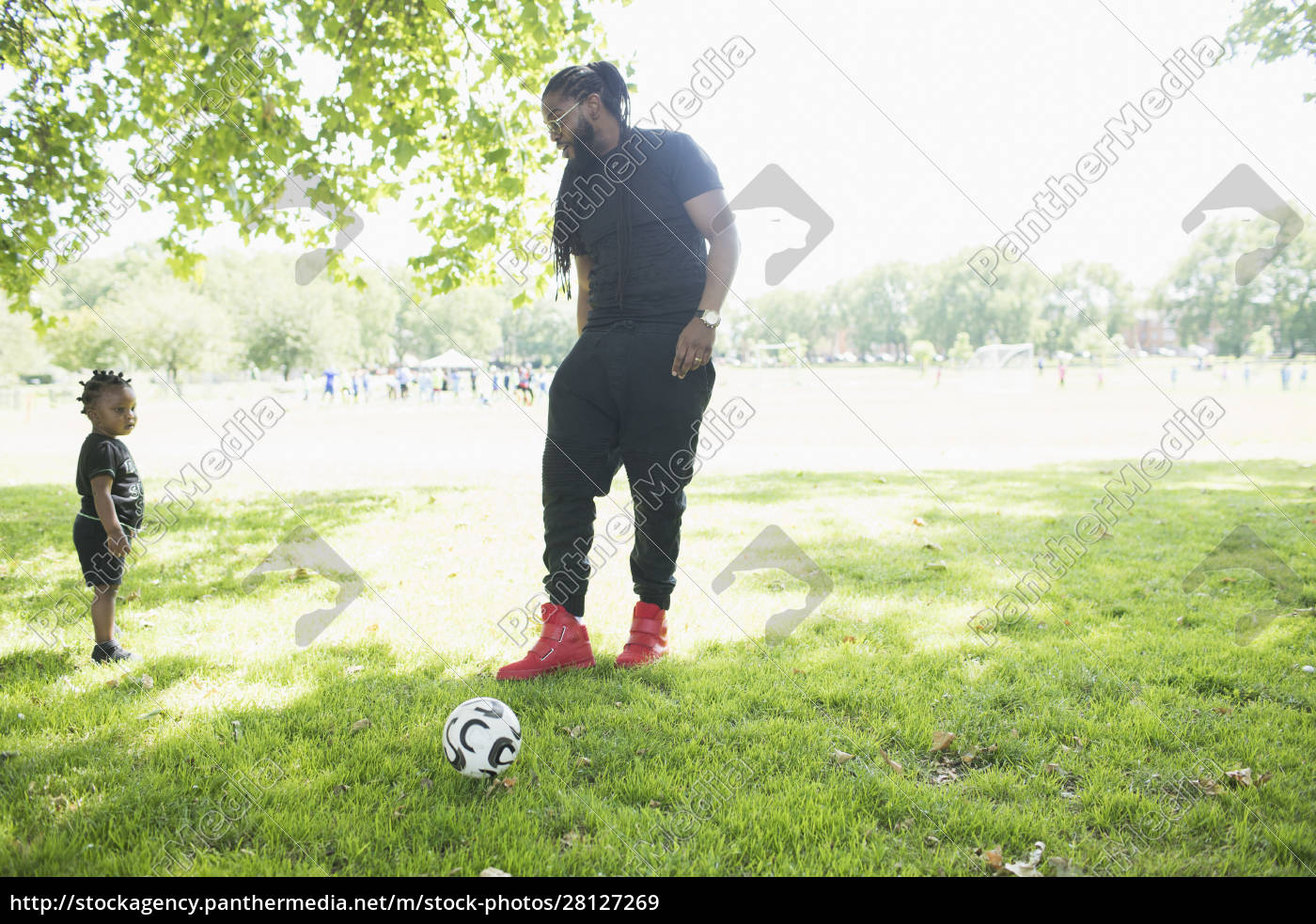 father, and, toddler, son, playing, soccer - 28127269