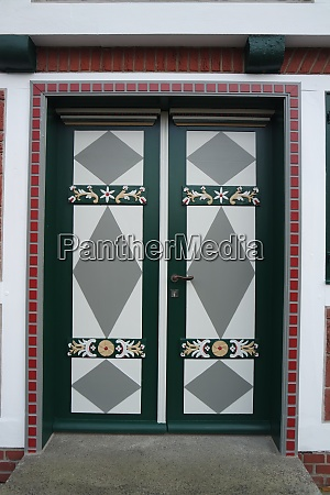 colorful front door altes land