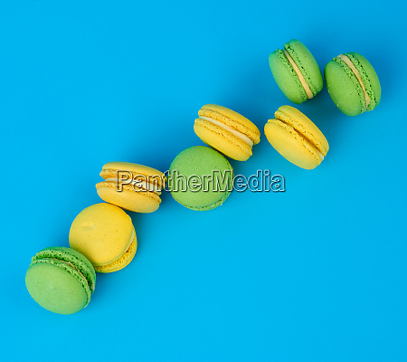stack of yellow and green round