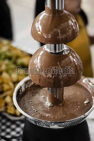 chocolate fountain catering machine with fruit