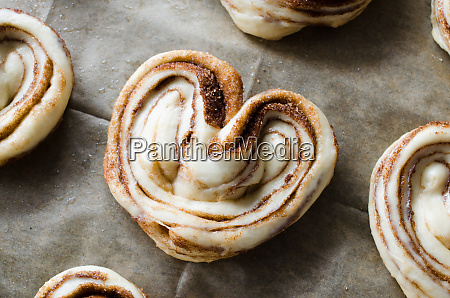 raw unbaked buns ready to bake