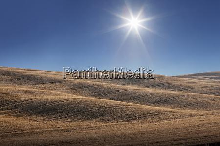 hills under sun