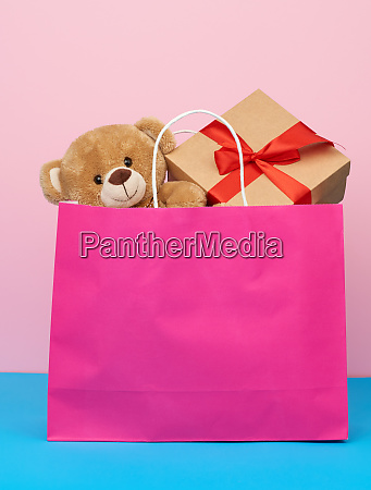 pink, paper, bag, with, a, gift - 28175492