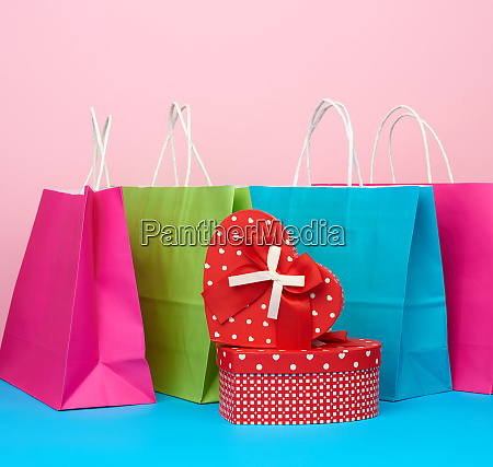 red, paper, box, with, a, gift - 28175493