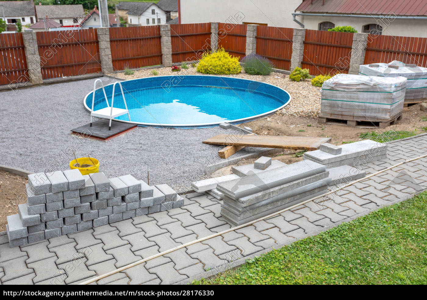 swimming, pool, under, construction - 28176330