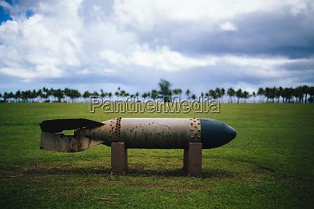an old bomb at a war