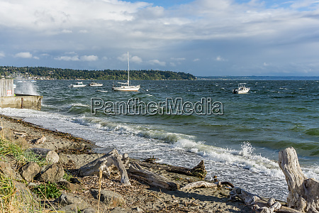 choppy water and boats 3