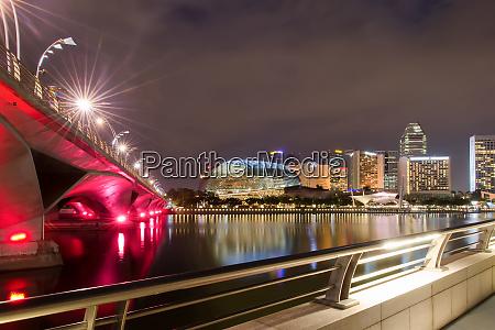 night quay in singapore