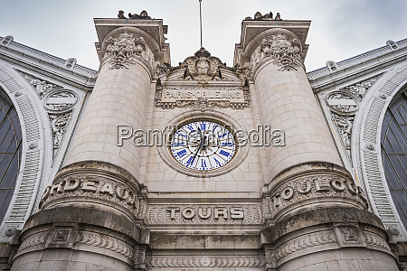 architectural, detail, of, the, tours, train - 28215811