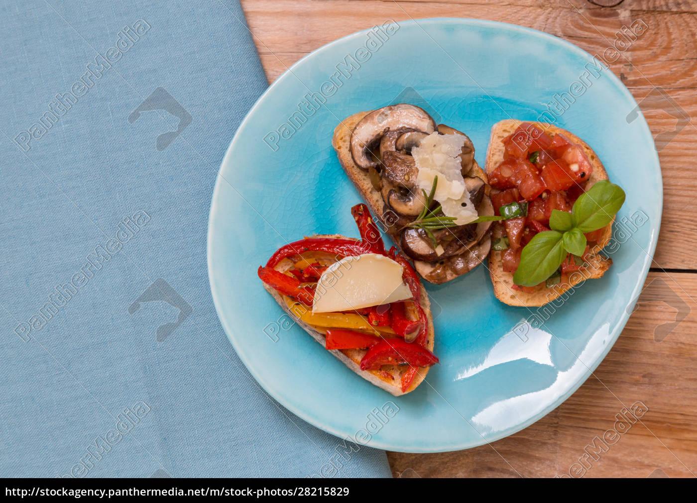 bruschetta, with, tomatoes, , mushrooms, , goat's, cheese - 28215829