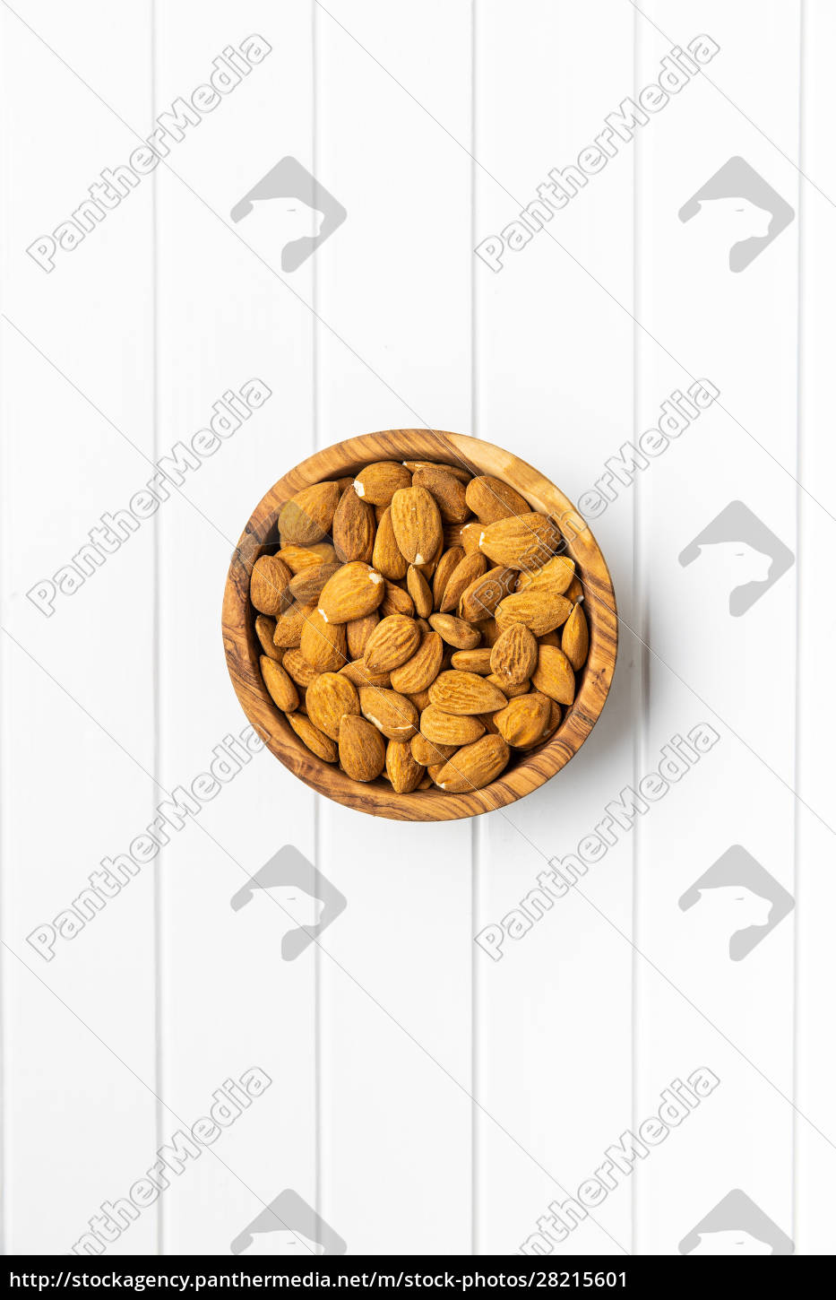 dried, almonds, nuts, in, wooden, bowl - 28215601