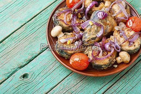 mackerel, fried, in, tomatoes - 28215180