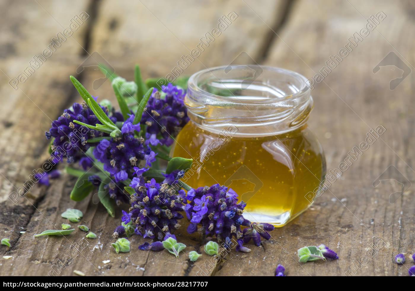 herbal, honey, with, fresh, herbs - 28217707