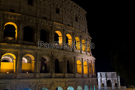 colosseum night view rome landmark italy