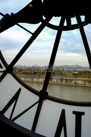 large clock in the musee