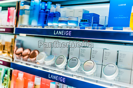 cosmetics, and, skincare, products, on, a - 28222203