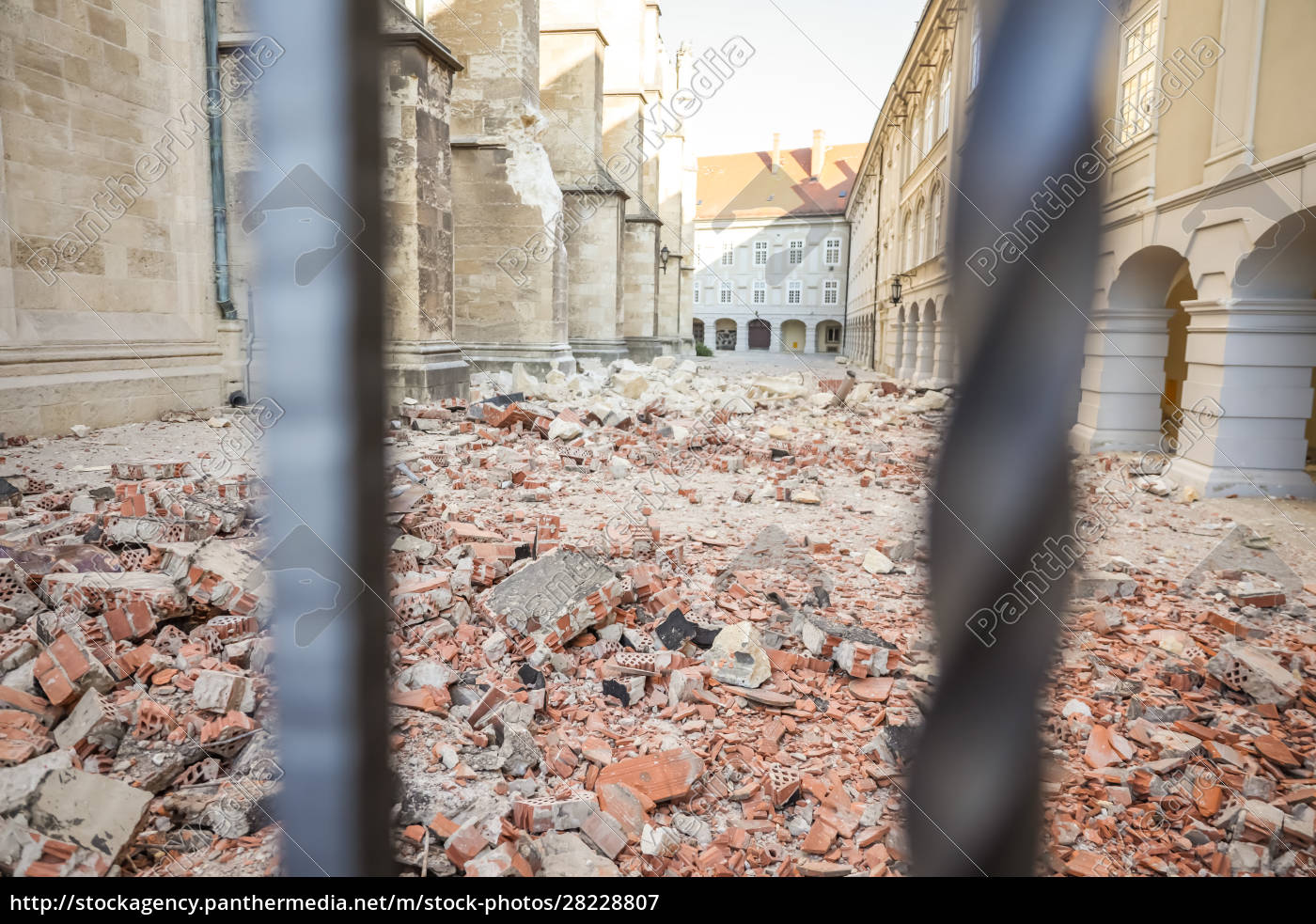 zagreb, hit, by, the, earthquake, damaged - 28228807