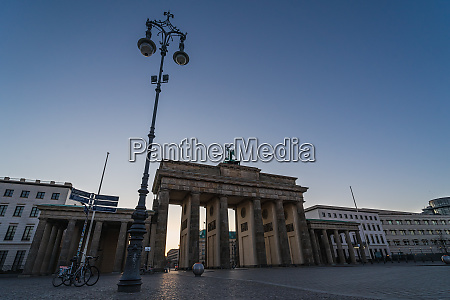 pariser platz and brandenburg gate early