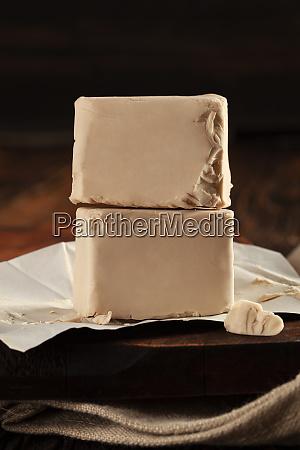 fresh pressed yeast cubes