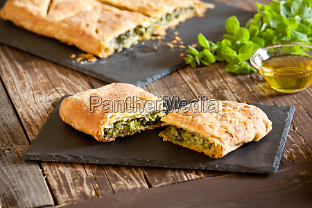 slices, of, homemade, greek, spinach, pie - 28257621