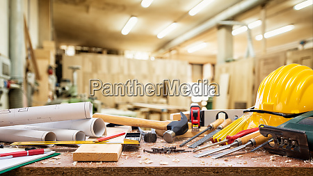carpenter, tools, on, the, workbench. - 28258731