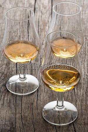 glasses, with, scottish, single, malt, whisky - 28258623