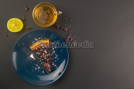 slices, of, blueberry, mousse, cake, with - 28258290