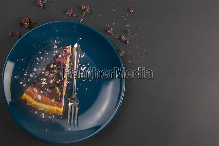 slices, of, blueberry, mousse, cake, with - 28258292