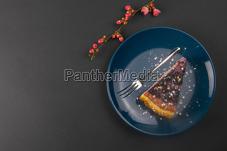 slices, of, blueberry, mousse, cake, with - 28258305