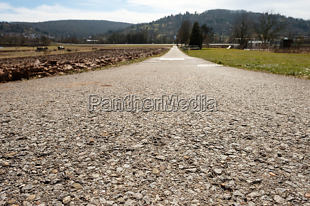 tarred, road, in, landscape, with, backlight - 28258348