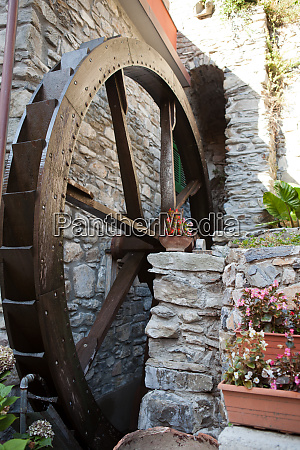 the, old, watermill, in, manarola - 28258723