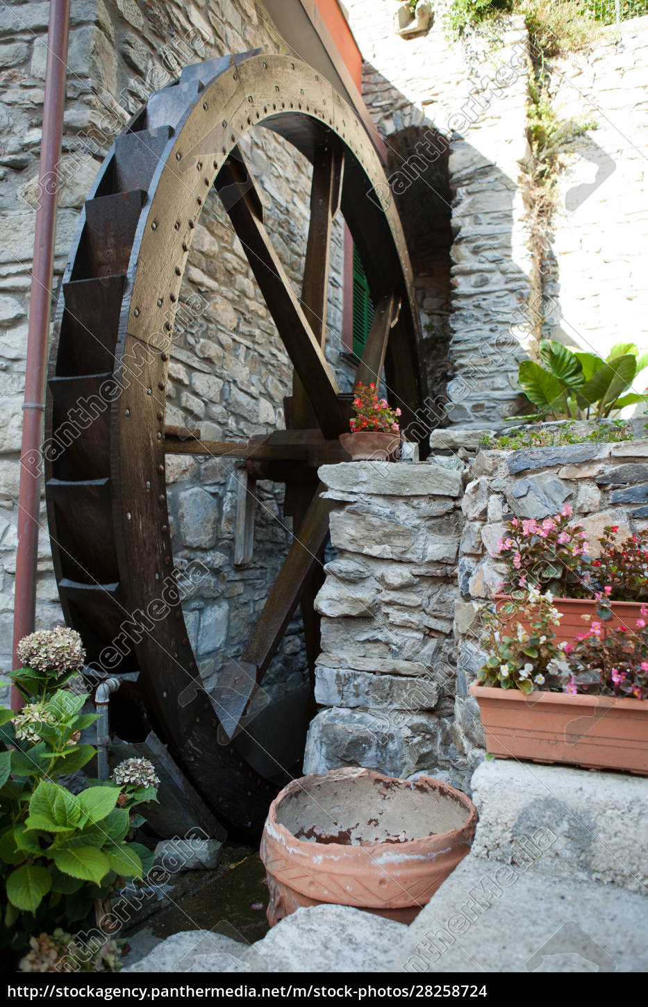 the, old, watermill, in, manarola - 28258724
