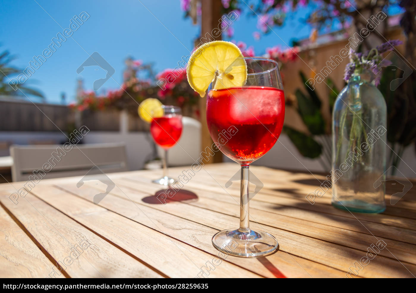 refreshing, tropical, cocktail, drink, on, a - 28259635