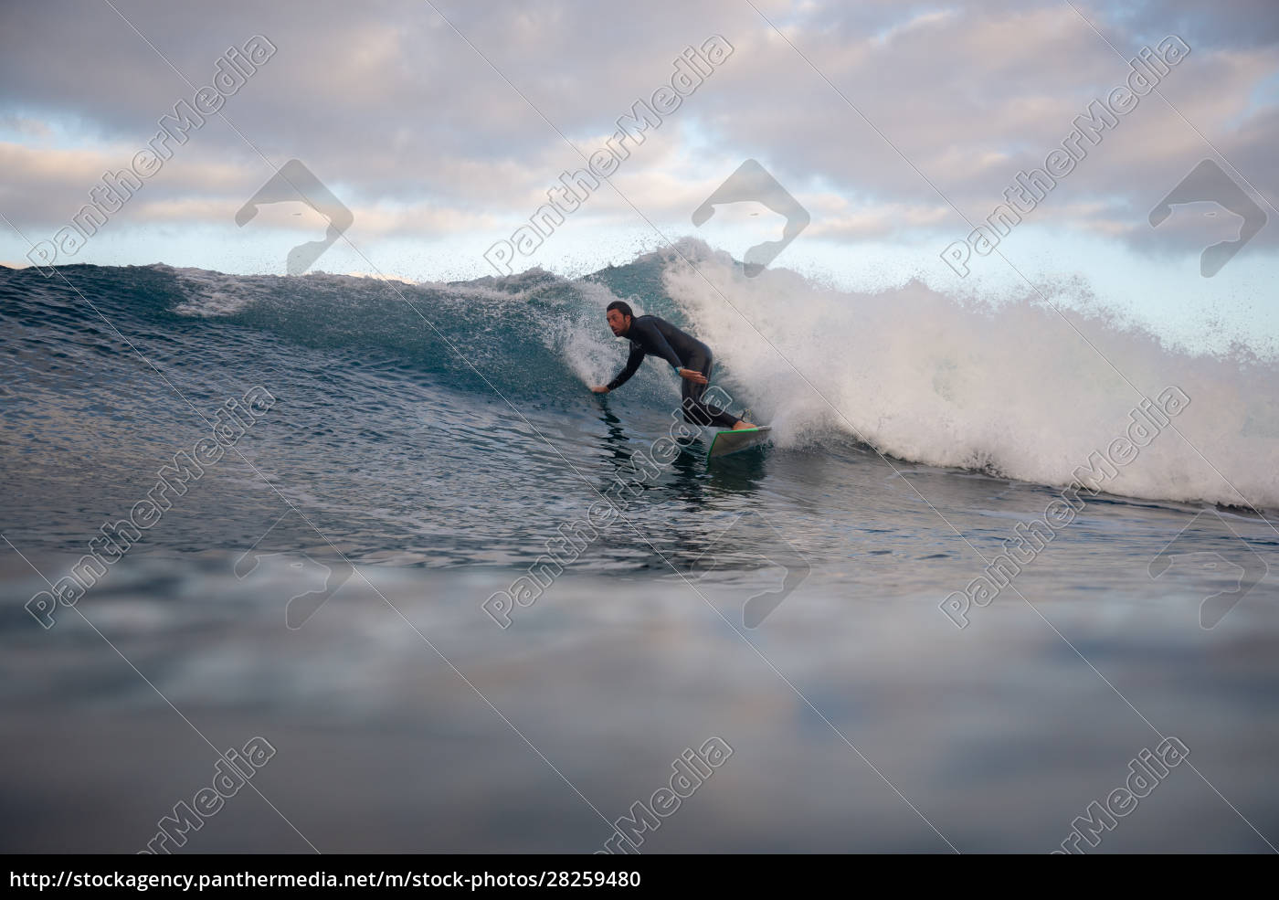 surfer, riding, waves, on, the, island - 28259480