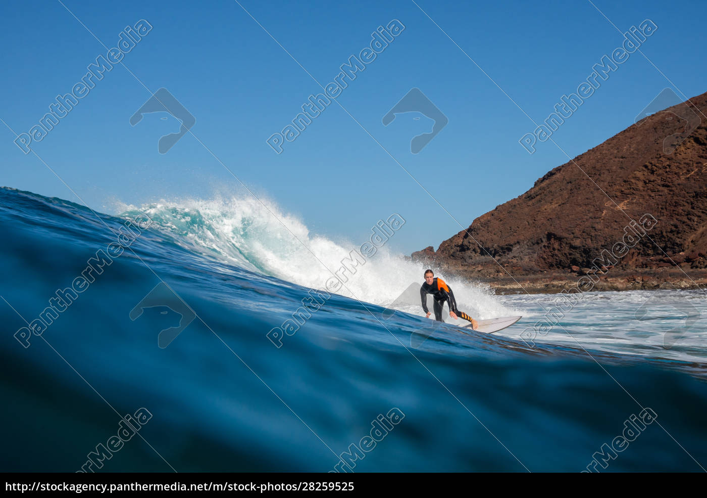 surfer, riding, waves, on, the, island - 28259525