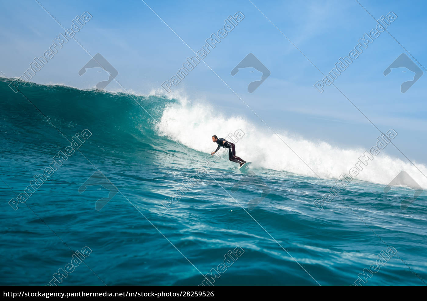 surfer, riding, waves, on, the, island - 28259526