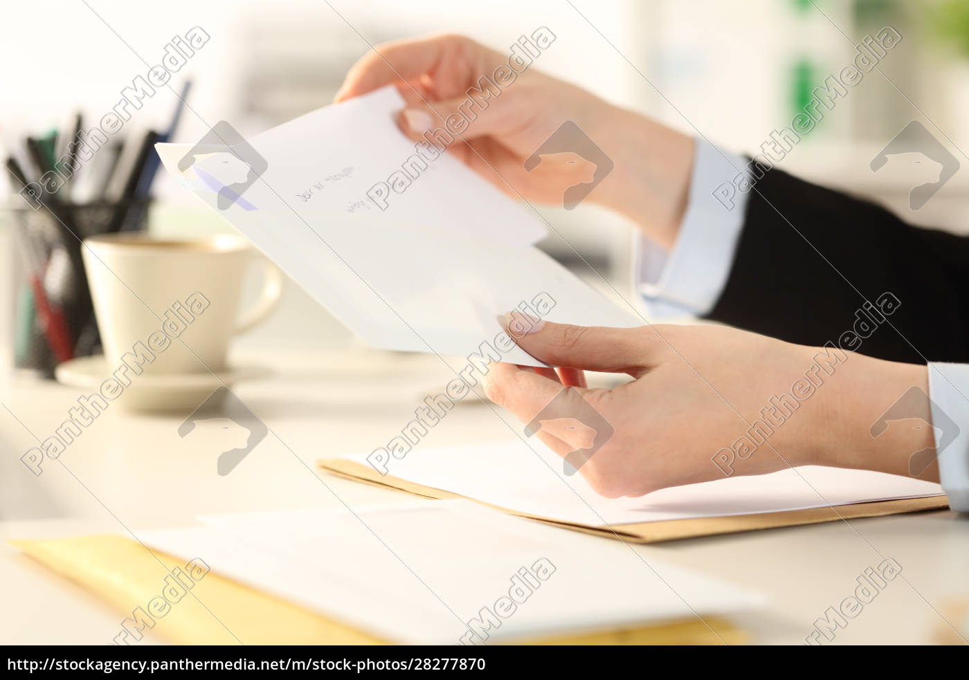business, woman, hand, putting, letter, on - 28277870