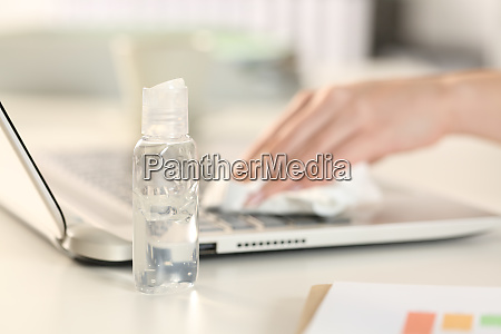 executive, hands, cleaning, laptop, keyboard, with - 28277911
