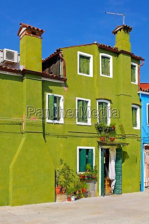 green, house - 28277599