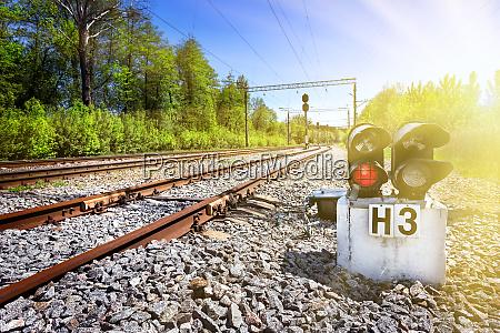 red, traffic, light, on, a, rusty - 28279706