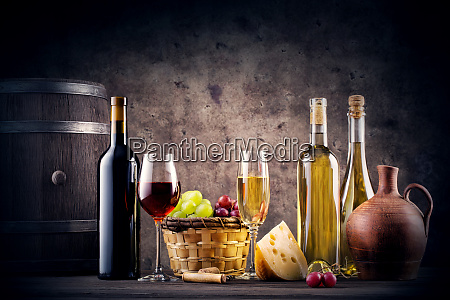 still, life, with, red, and, white - 28279657