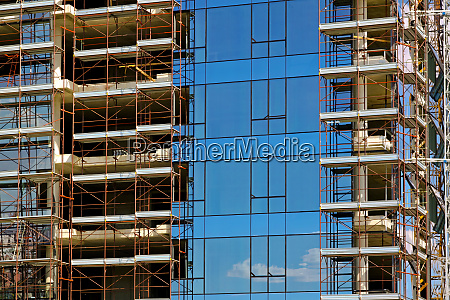 glass building construction