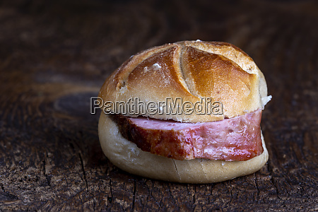 bavarian meat loaf in a bun