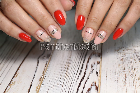 glamorous manicure design